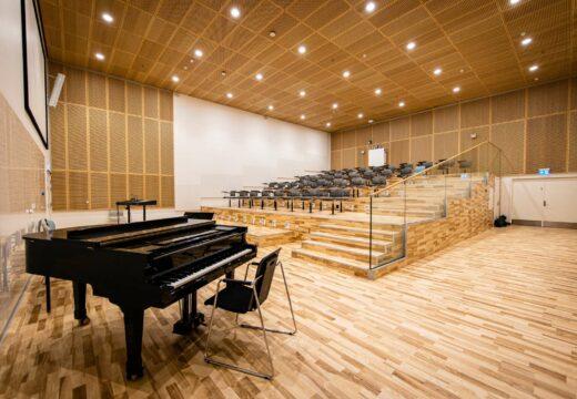 Auditorium med flygel på Humletorvet 3